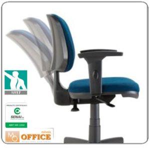 Inclinação da cadeira ergonômica para escritório